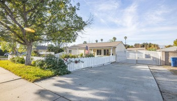 Riverside, California 92504, 2 Bedrooms Bedrooms, ,1 BathroomBathrooms,Single Family Residence,For Sale,820003377